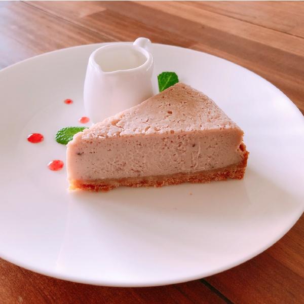 いちごみるくのベイクドチーズケーキ
