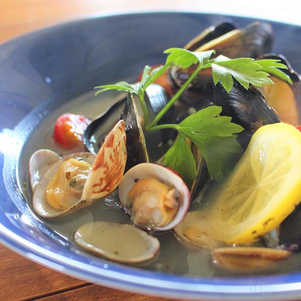 〈dinner〉貝類とトマトのアクアパッツァ風