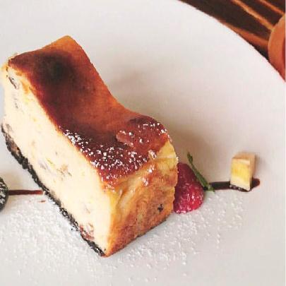 自家製ラムレーズンのチーズケーキ